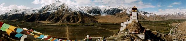 panorama Yumbu Lhakhang